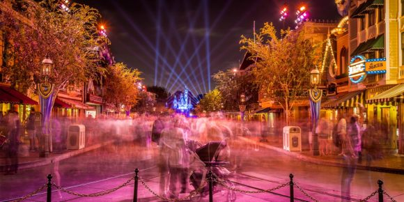 More Than Just a Pretty Picture: Mastering Instagram for Growth and Engagement (Disneyland)